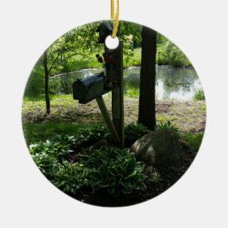 Mailbox by the pond round ceramic decoration
