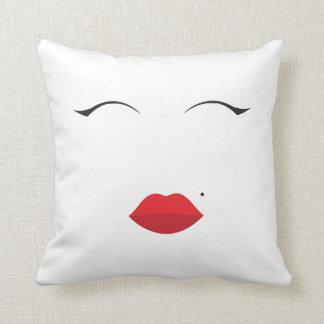 make up // Marilyn Monroe inspired// lips n eyes Cushion