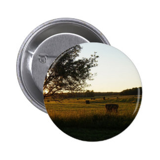 Making hay while the sun shines 6 cm round badge