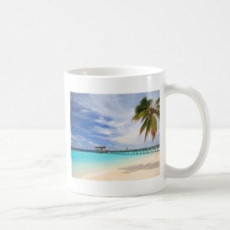 Maldivian escape coffee mug