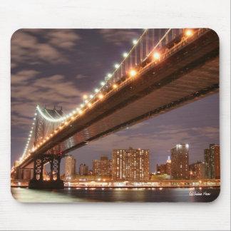 Manhattan Bridge and Manhattan Skyline At Night Mouse Pad