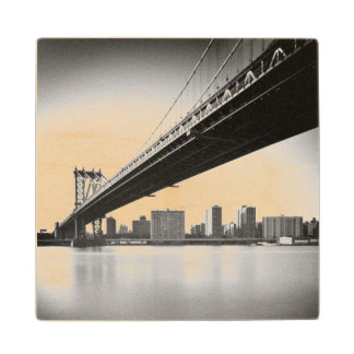 Manhattan Bridge and skyline, New York, US. Wood Coaster