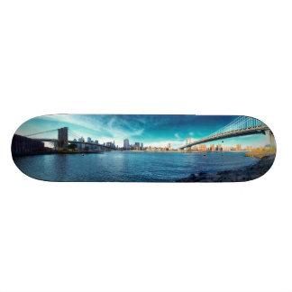 Manhattan New York Skyline from East River 18.1 Cm Old School Skateboard Deck