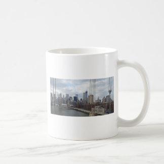 Manhattan skyline New York Mugs
