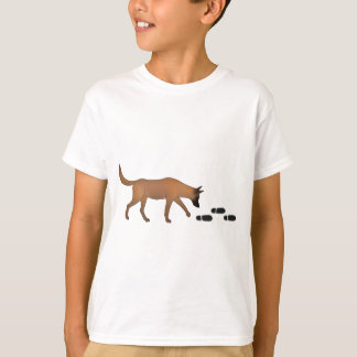 Mantrailer with trace Belgian shepherd dog T-Shirt