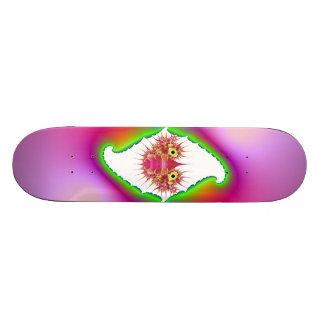 Mapuera Bug in Psychedelic Frame Skateboard