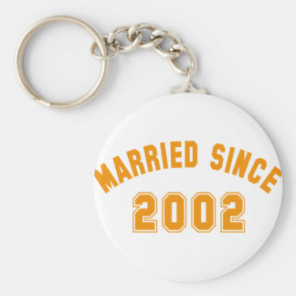 married since 2002 basic round button key ring