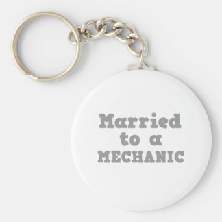 MARRIED TO A MECHANIC BASIC ROUND BUTTON KEY RING