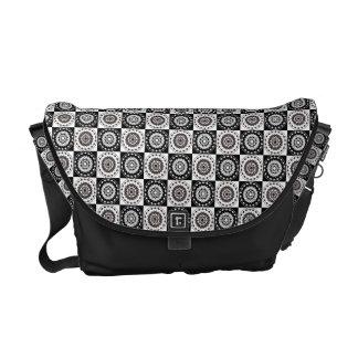 Maru-ni-ichimatsu Japanese Pattern Messenger Bag B