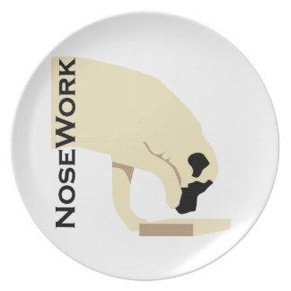 Mastiffs_Nose Work Plate