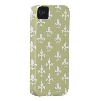 Matt Gold & White Fleur De Lis Pattern Case-Mate iPhone 4 Case