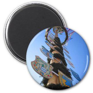 Maypole #4 magnet