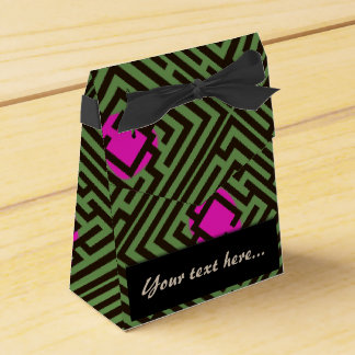 Maze Pattern with Pink Dots Custom Text Favour Box