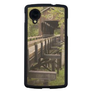 McKee covered bridge, Jacksonville, Oregon Carved® Maple Nexus 5 Case