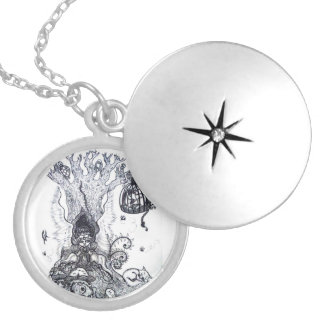 "Medallion ""Princess Kapricho "" Silver Plated Necklace"