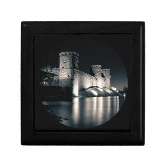 Medieval castle small square gift box