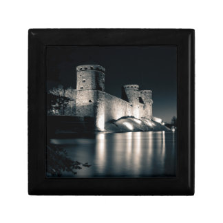 Medieval castle small square gift box