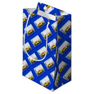 Mégane jaune - Artwork Jean Louis Glineur Small Gift Bag