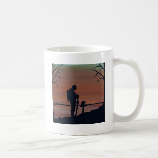 Memorial, Veternas Day, silhouette solider at grav Coffee Mug