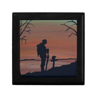 Memorial, Veternas Day, silhouette solider at grav Gift Box