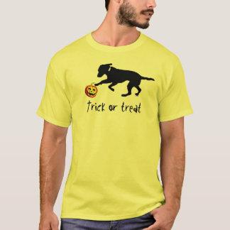 Men's Halloween trick or treat black lab pumpkin T-Shirt