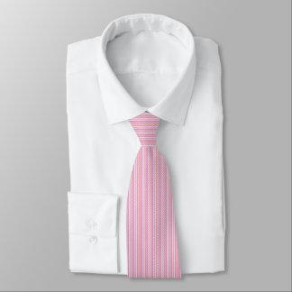 Men's tie with wavy pink stripes