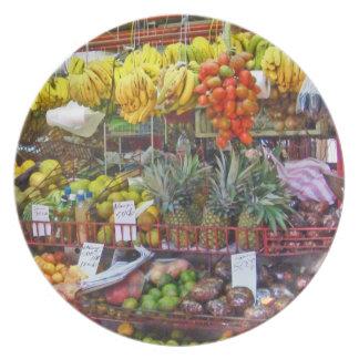 Mercado - Fruit Plates Look Good Enough to Eat!