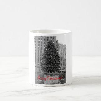 Merry Christmas! Rockefeller center Basic White Mug