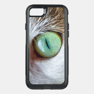 Mesmerizing Green Cat's Eye OtterBox Commuter iPhone 8/7 Case