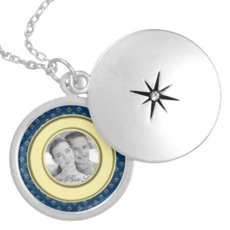 Metallic Fleur de lis Photo Frame (Gold) Silver Plated Necklace