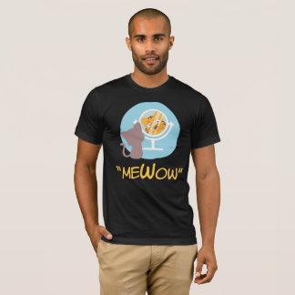 """""""meWow"""" -(Me + Meow + Wow = MeWow) T-Shirt"""
