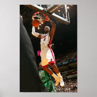 MIAMI, FL - APRIL 30: Carmelo Anthony #7 Print