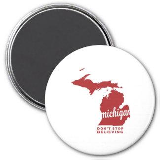michigan | don't stop believing | crimson 7.5 cm round magnet
