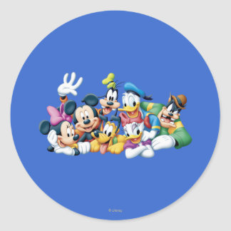 Mickey & Friends | Kneeling Classic Round Sticker