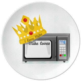 Microwave Love Crown Porcelain Plates