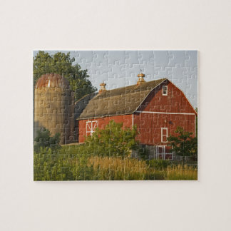 Midwestern Red Barn Jigsaw Puzzle