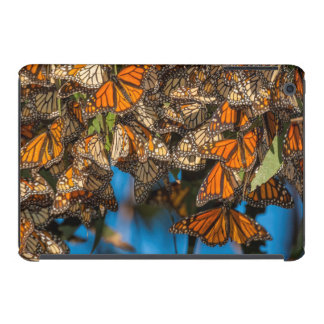 Migrating monarch butterflies cling to leaves iPad mini retina cover