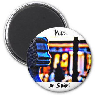 Miles of Smiles - Paris 6 Cm Round Magnet