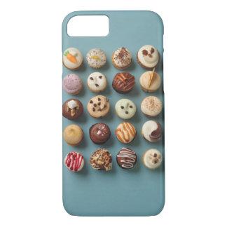 Mini Cupcakes iPhone 7 Case