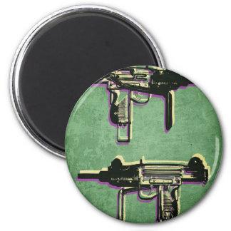 Mini Uzi Sub Machine Gun on Green 6 Cm Round Magnet