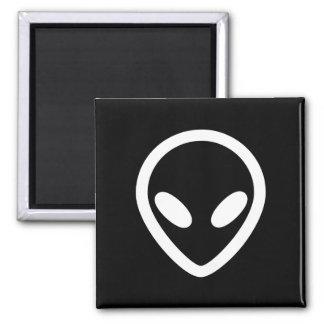 Minimalist Alien is watching you Magnet