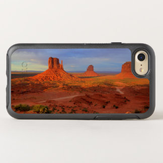 Mittens, Monument valley, AZ OtterBox Symmetry iPhone 8/7 Case