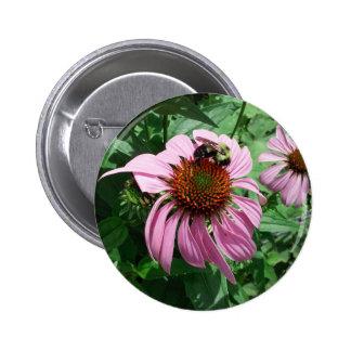 MkFMJ Flower With Bee 6 Cm Round Badge