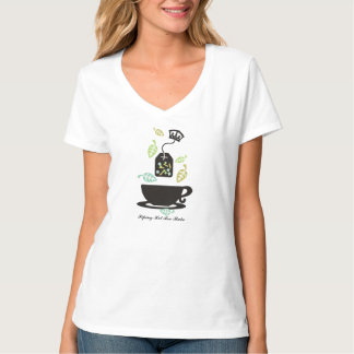Modern tea bag tea leaves teacup crown T-Shirt