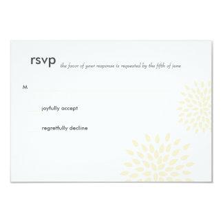 Modern Wedding RSVP // Posh Petals // Vanilla 9 Cm X 13 Cm Invitation Card