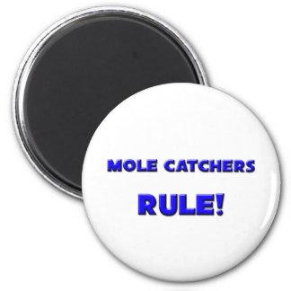 Mole Catchers Rule! 6 Cm Round Magnet