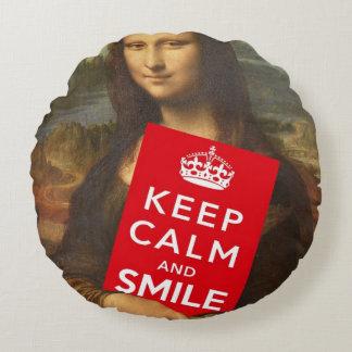 Mona Lisa Keep Calm And Smile Round Cushion