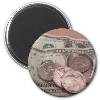 money 6 cm round magnet