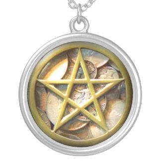 MoneyPent Round Pendant Necklace