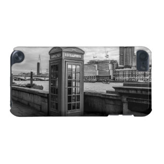 Monochrome Telephone Booth London iPod Touch (5th Generation) Covers